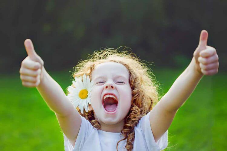Kid smile feel fresh after dental care